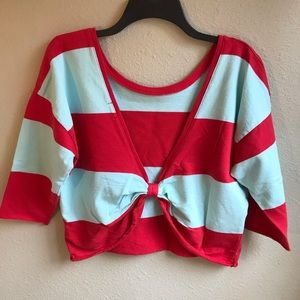 NEW ILoveH81 Cropped Sweatshirt with Bow Back M